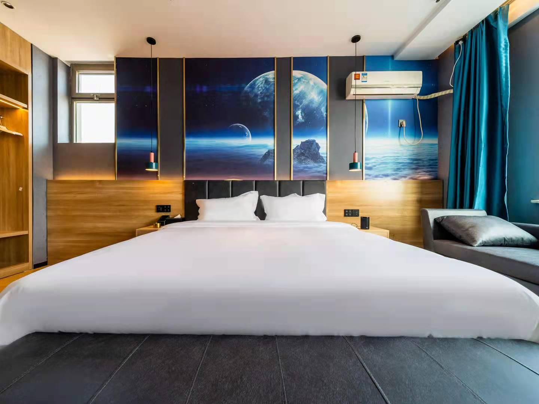 灰鲸酒店3.jpg
